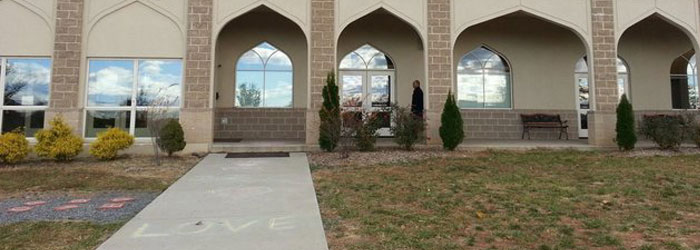 Interfaith Community Leaves Messages of Love and Support at Virginia Mosque