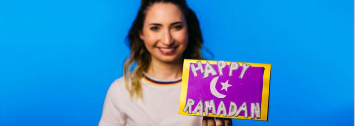 Teens Come Together to Send Ramadan Cards to US Mosques
