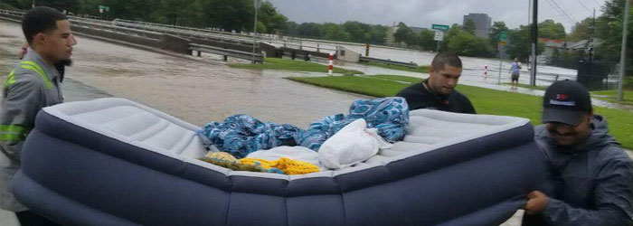 After Hurricane Harvey, Muslims in Houston Hit the Streets to Help